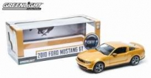 GREENLIGHT 12870 2010 FORD MUSTANG GT. SUNSET GOLD WITH BLACK HOOD