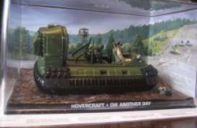 MAGAZINE JBHOVER HOVERCRAFT JAMES BOND DIE ANOTHER DAY , GREEN