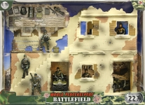MCTOYS 77078 WORLD PEACEKEEPERS - BATTLEFIELD (6 FIGURES INCLUDED)