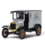 MOTORMAX 79329 1:24 1925 FORD MODEL T - PADDY WAGON WITH