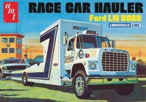 AMT 758 06 1:25 FORD LN 8000 RACE CAR HAULER