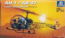 ITALERI 095 AH 1 LIGHT HELICOPTER 1:72