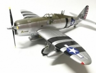 EASY 36421 P 47D, FLOWN BY WILLIAM D. DUNHAM , SOUTHWEST PACIFIC 1:72