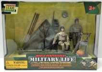 MCTOYS 77035 WORLD PEACEKEPPERS - MILITARY LIFE. 2 ASSTD (2 FIGURES INCLUDED)