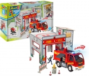 REVELL 00852 PLAYSET FIRE STATION WITH FIRE TRUCK